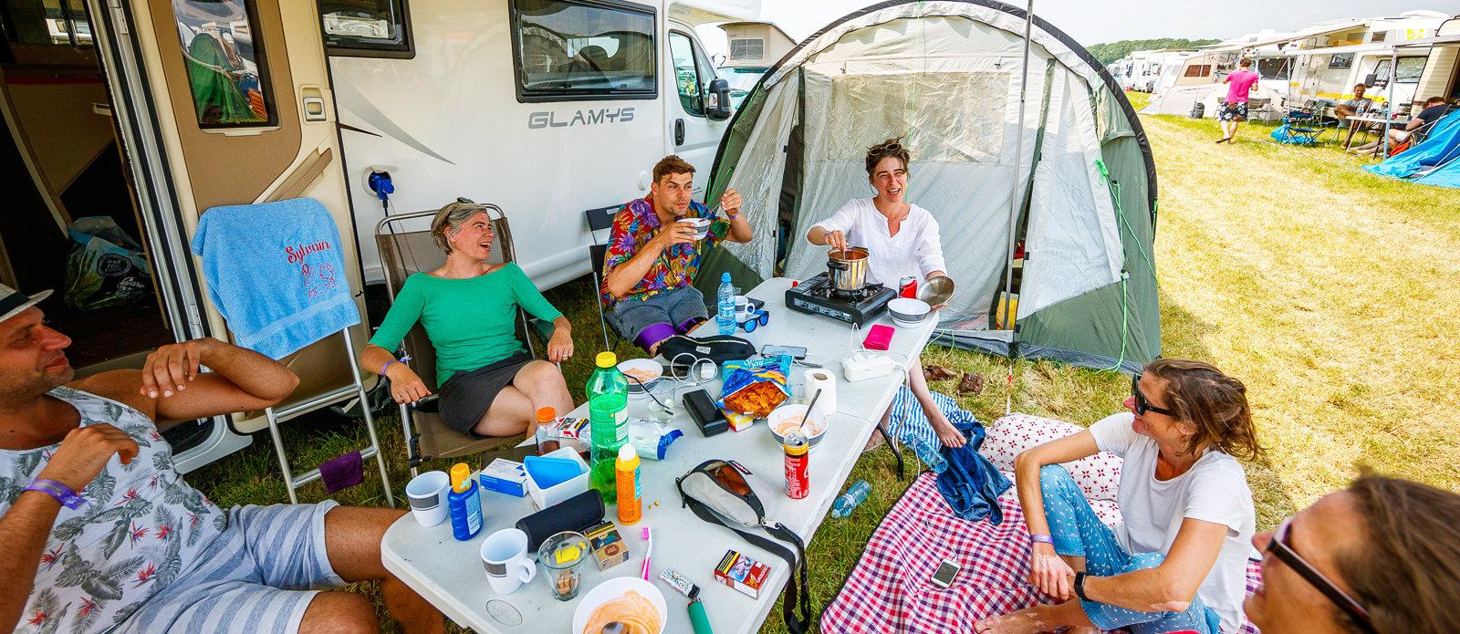 Campercamping plek + stroom